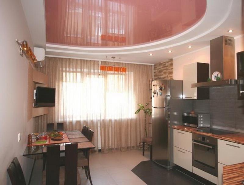 Дизайн потолков для маленькой кухни